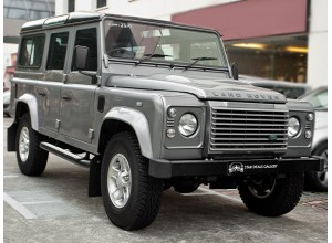 Land Rover Defender 110 XS Station Wagon